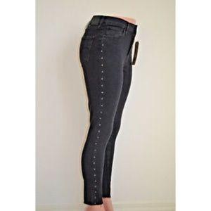 Levi's 721 High Rise Skinny Black Jeans W24 L30